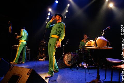 R-wan de java en concert sur la scene du Run ar Puns Chateaulin