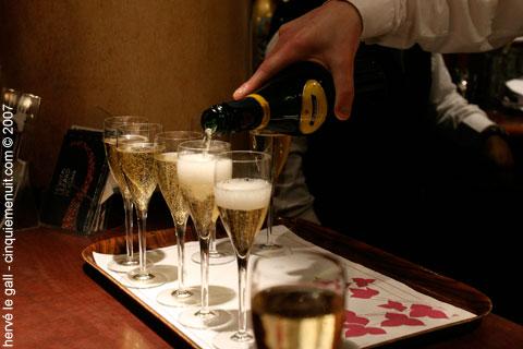 champagne au cabaret vauban