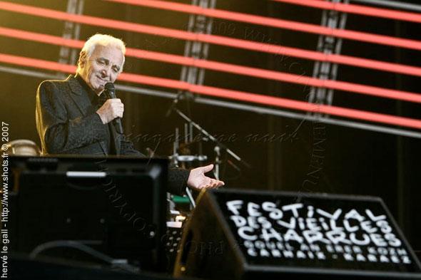 aznavour-vieilles-charrues-2007-herve-le-gall