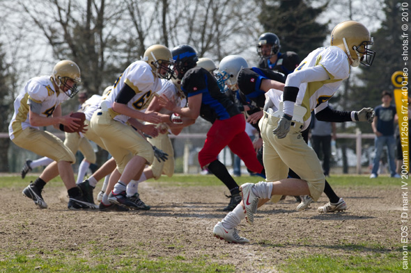 football-us-1-eos-1D-mark-IV-shots-2010