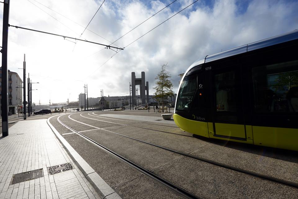 le-tram-de-brest-vers-recouvrance-nikon-D610-shots-2013