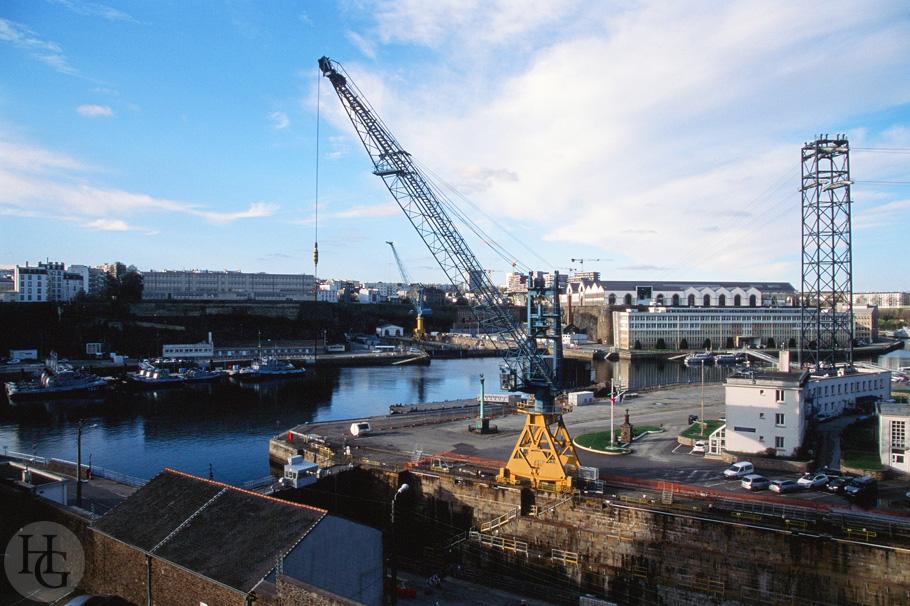 Vue sur le port de Brest Kodak Ektachrome 100 par Hervé Le Gall