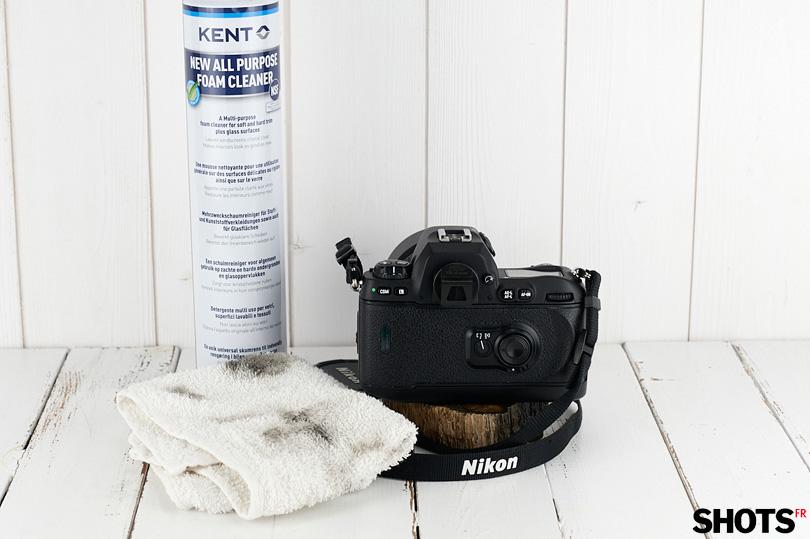 la mousse KENT permet de venir à bout du dos collant de Nikon F100